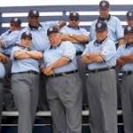 Umpire_pose